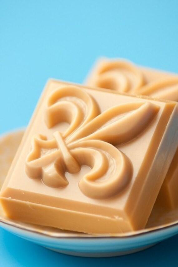 CLEARANCE - Vanilla Cupcake - goat milk handmade soap