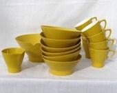 Vintage Melamine Yellow 16 Piece Dinnerware set