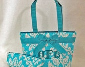 Personalized Quilted Lunch Tote With Spoon Case In Quilted Blue and White Damask