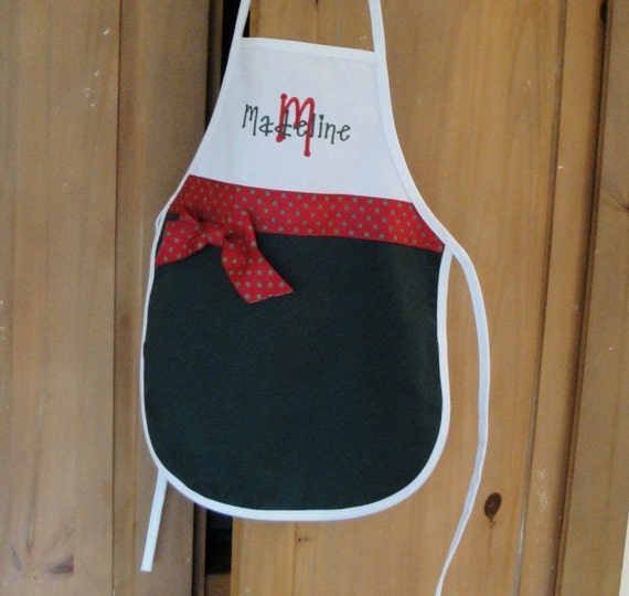 Child's Personalized Holiday Apron in Green, Red and White