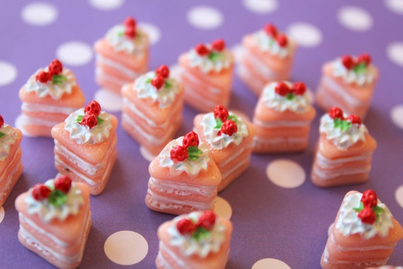 Decoden Strawberry And Vanilla Icing Resin Cake Slice Cabochons 4pcs 16mm tall LAST SET