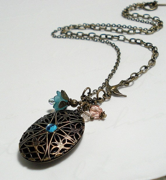Vintage Style Locket Necklace