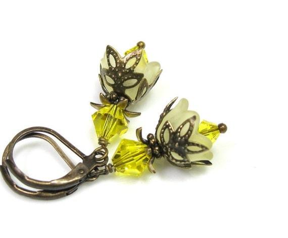 Flower Earrings, Gifts For Gardeners, Citrine Yellow, Swarovski Crystal, Vintage Style Dangle Earrings, Gifts for Women, Lemon Zest, Floral
