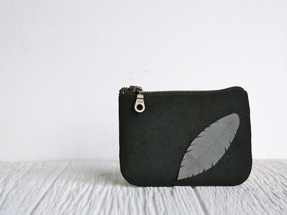 Eco friendly Pouch - Feather - Black & Gray