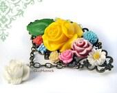 SALE Beautiful Bouquet Brooch