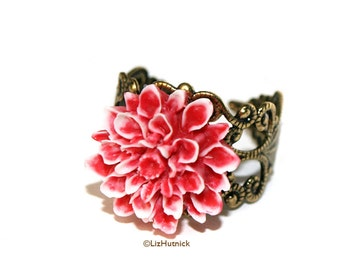 Peppermint Mum Ring. Carved Look Red and White Resin Dahlia Ring, Flower Cocktail Ring, Boho Chic