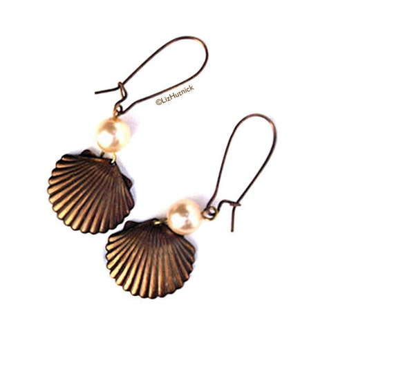 Brass Shell and Pearl Earrings. Antiqued Brass. Vintage Faux Pearl. Dangle Earrings
