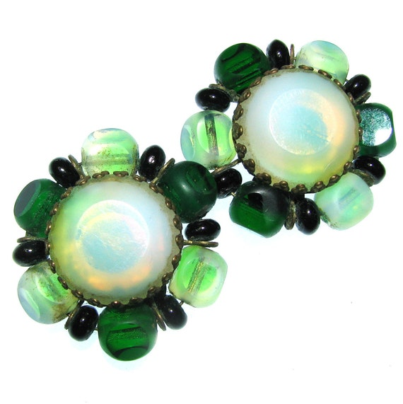 Vintage 50s Glass Earrings . Opalescent Earrings . Emerald Green Earrings . 50s Earrings . (Free Shipping USA) . Bree's Vintage