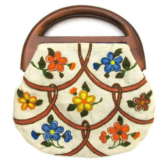 Vintage 60s Floral Purse . Flower Purse . Floral Handbag . Needlepoint . Wood Handle . 60s Purse . (Free Shipping USA) . Bree's Vintage