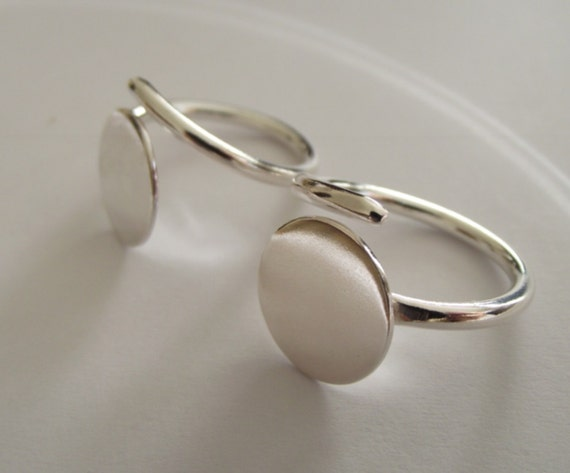 1 x Sterling Silver flat pad ring - adjustable freesize