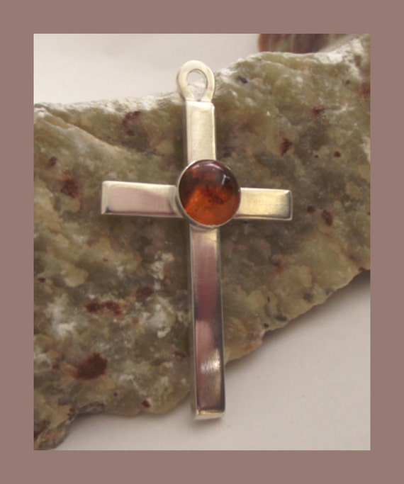 Sterling Silver Crucifix Pendant - free UK P&P