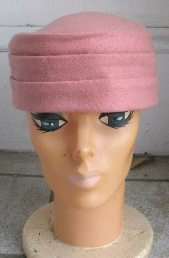 Vintage 1950s Pink Wool Blend Pillbox Hat 22