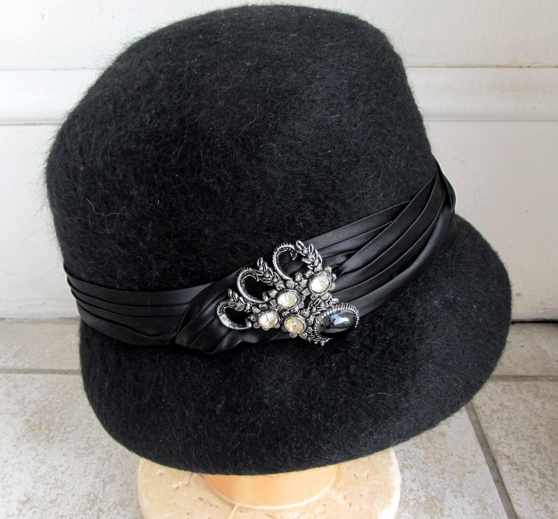 vintage 1960s black w beaded satin band hat 22 church dress