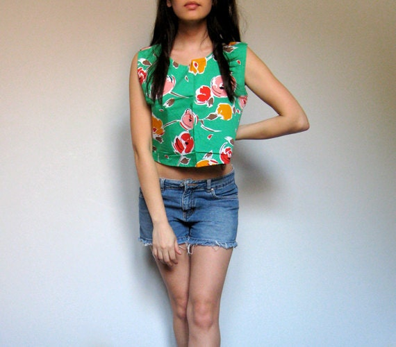 Floral Crop Top 80s Criss Cross Back Green Summer Fashion Floral Print Top - Medium Large M/ L