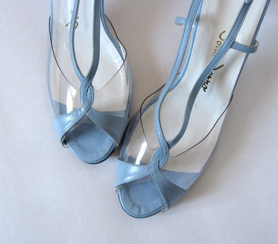 Vintage 70s Kitten Heels Pastel Baby Blue Shoes by MidnightFlight