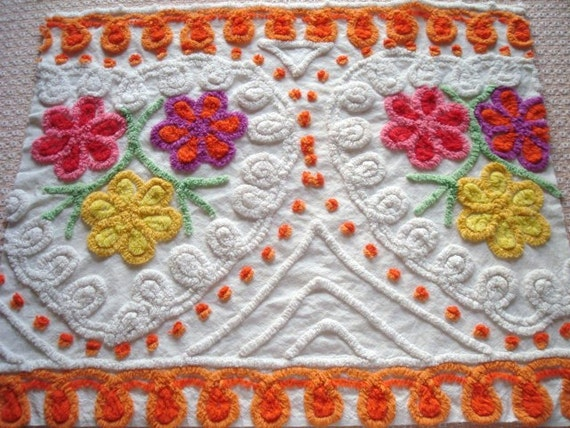 25X21  SUPER PLUSH Orange Yellow Pink Purple  & White Daisy Hearts Curly Q's  Vintage Chenille Bedspread Fabric Large Cheerful Sunny Yellow