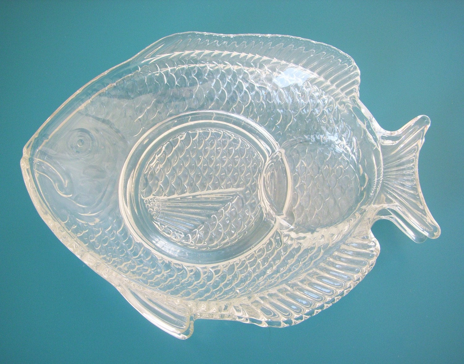 Vintage fish shaped plates 2 clear glass fish serving plates for Fish shaped plates