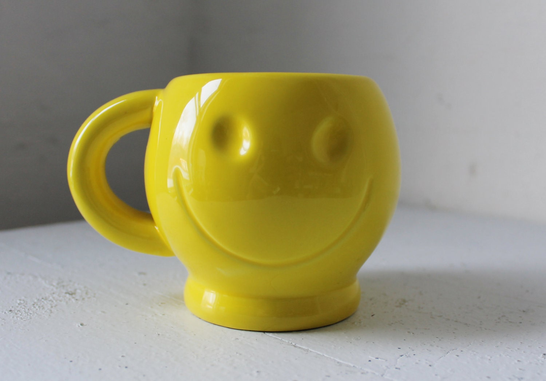 Smile Vintage Smiley Happy Face Mug