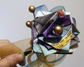 MARVELOUS - paper roses from Comic Books, water proof, fully customizable