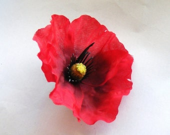 POPPY Love - reds - customizable on bobby pin, barrette, comb or alligator clip