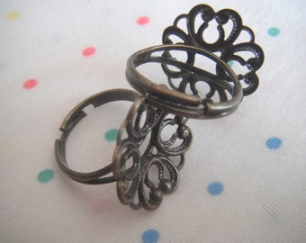 Antique Bronze Flower Base Filigree Adjustable Brass Metal Rings, Antique Finish, 20 mm (4)