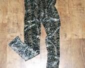 Snake leggings