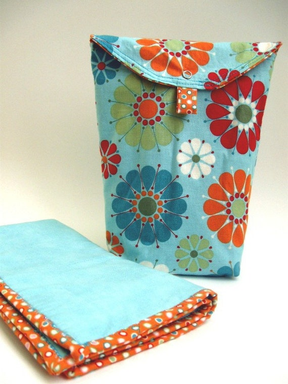 Compact Diaper and Wipe Tote with Changing Pad, blue and orange