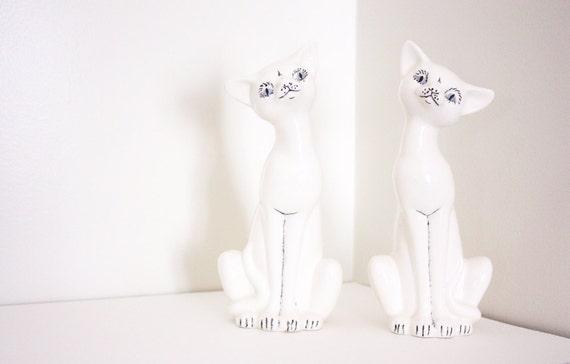 White Cat Figurines - Vintage 60s Porcelain Twin Cats