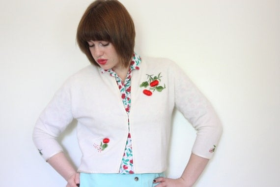 50s Snow White Cardigan with Strawberry Embroidery - S/M