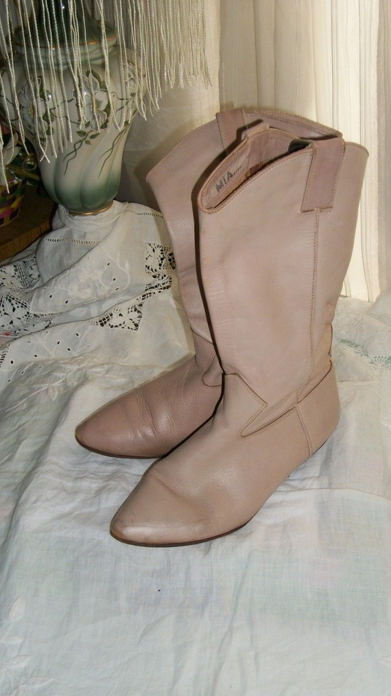 ON SALE Softest Palest Pink Vintage Leather Cowboy Boots 1990s Size 9 M Excellent Condition