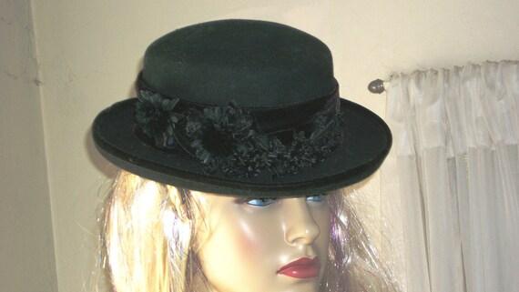Vintage Black Wool Hat 1940s Bowler Style with Black Silk Flowers & Deep Velvet Burgundy Ribbon Around Brim Exec Cond
