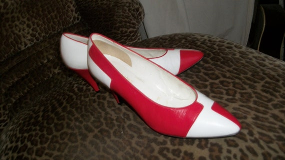 Fabulous Vintage Unique Red and White Kid Skin Spectator Pumps Size 10 Medium 1970s or 1980s Robinsons Excellent Condition