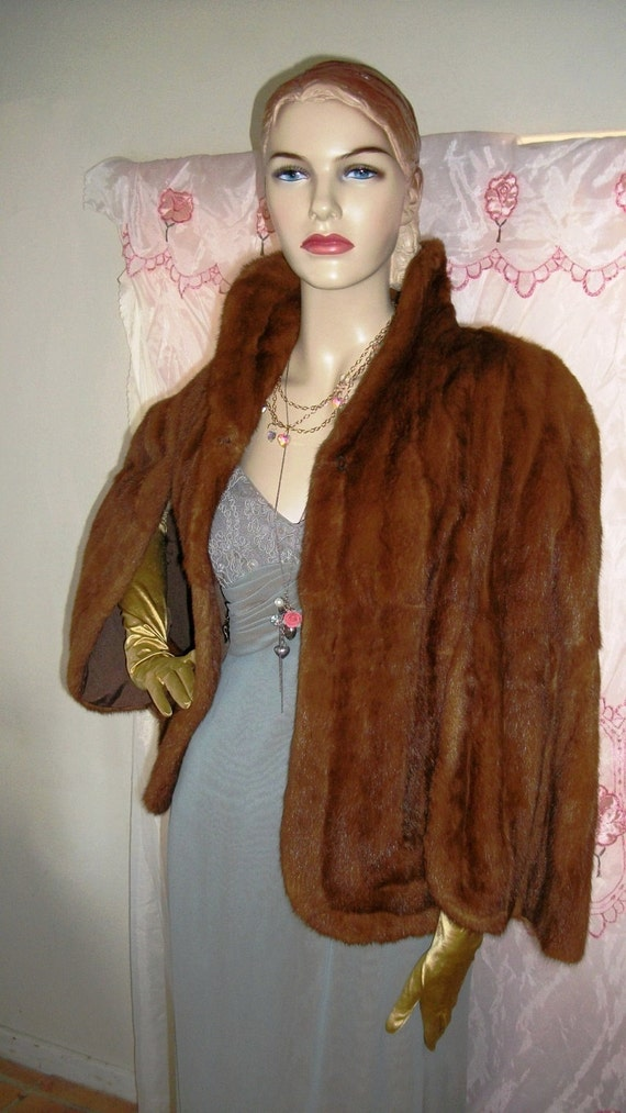 Glamorous Stunning 1950s 1960s Red Mink Capelet Excellent Condition One Size Fits Most Very Luxurious