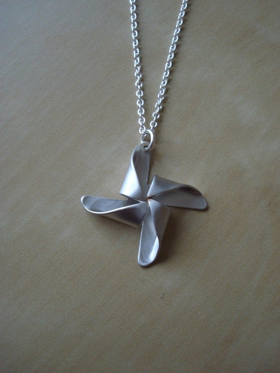 silver pinwheel pendant - necklace