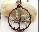010 Spring Green Glass Tree of Life Pendant With Chain