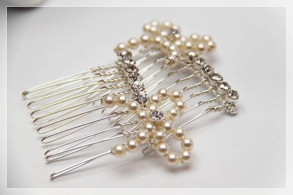 Set of 2 Swarovski Elements Crystal Pearls Ribbons and Rhinestones on Silver Plated Combs. Weddings. Hair-piece. Bride. Favors. Prom