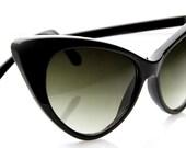 Cat Eye Sunglasses Deadstock Unique Womens Fashion Cateyes 1960s Era (Black/Smoke)