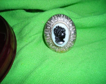 Cameo Ring....Silvertone Setting.......Pinky Ring.....Statement Ring