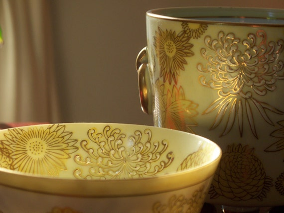 Vintage Oriental Cachepot and Bowl -- Gold Chrysanthemum