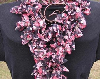 Crocheted Fabric Ruffled Scarf Pattern