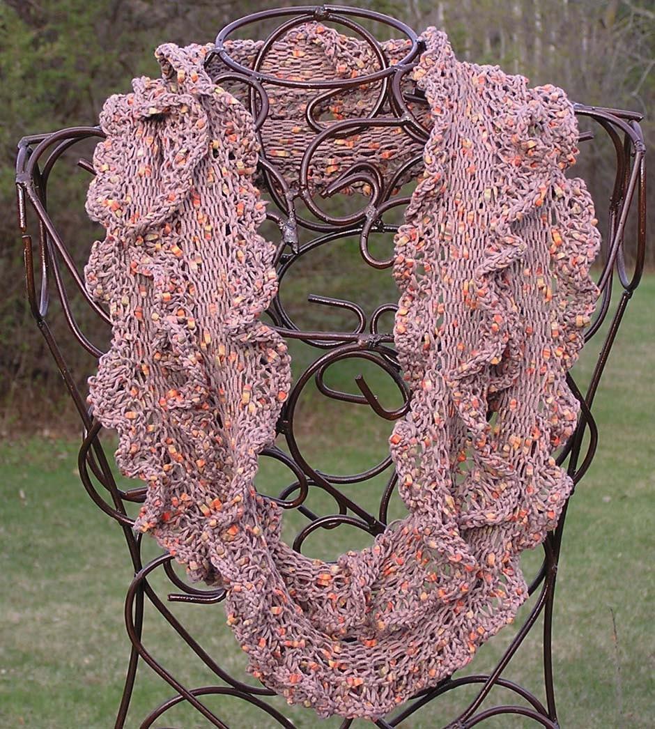 Ruffled Moebius OR Infinity Scarf/Cowl Pattern