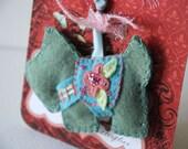 Handmade Wool Felt Key Chain or Key Fob - Felt Scottie Dog in Green