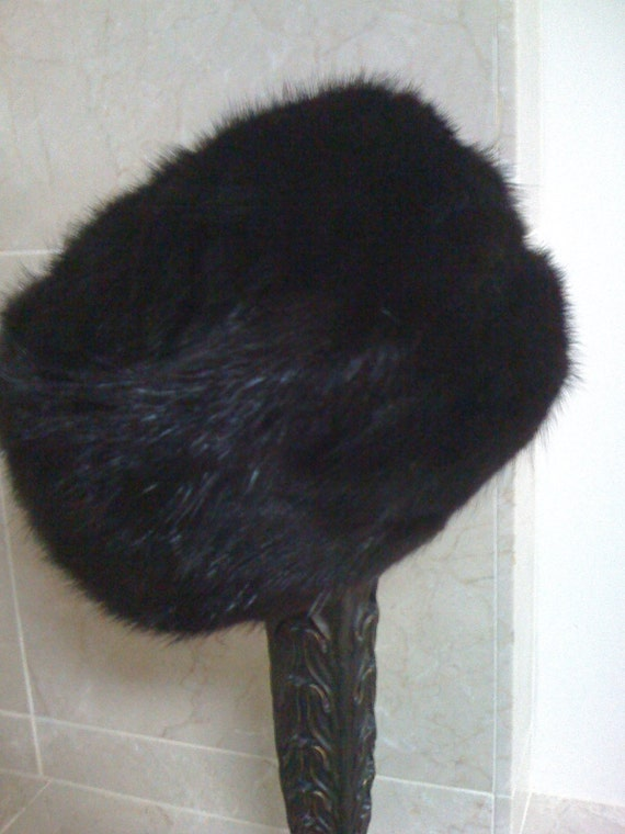 Sale 1950s Dark Mohogany Mink Fur Hat\/ Vintage Classic Pillbox Original Hat For G Fox and Co Hartford CT Featured in 7x7.com's Esty Local Gift Guide