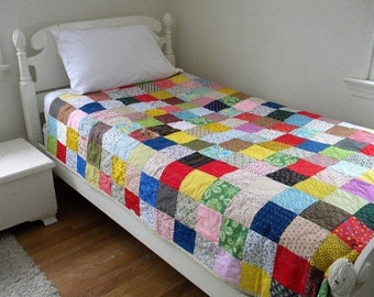 "Patchwork Quilt, XL twin size, 67.5"" X 99"", cotton blanket Classic Americana, dorm bedding, Quiltsy Handmade"