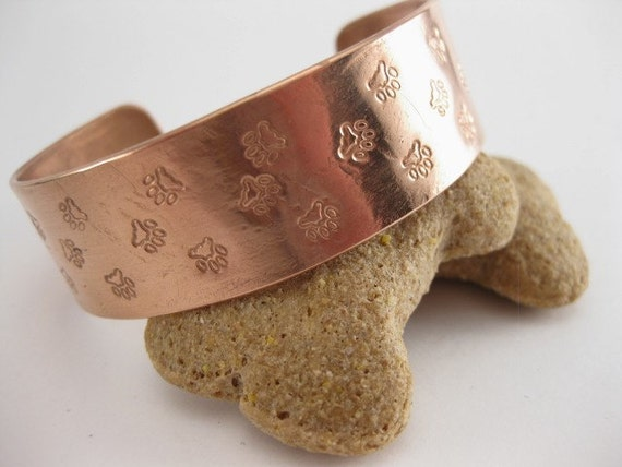Made to fit you. Pet Paws Trail Copper  Cuff.  Free shipping to US locations, reduced rates to all other countries.