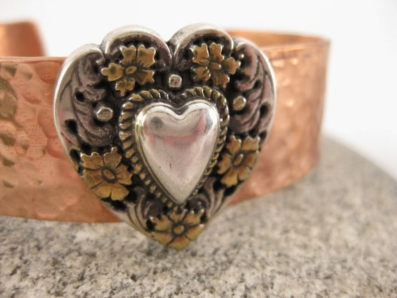 Made to fit you  Floral Heart  Concho Hammered Copper Cuff Bracelet.  Free shipping to US locations, reduced rates to all other countries.