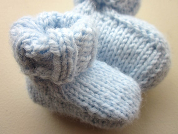 Knitting Patterns For Seamless Baby Booties : Baby Booties Knitting Pattern Seamless by KniftyKnittings