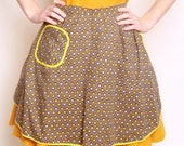 Vintage 1950s Mod Light Brown & Mustard Yellow Apron With Mod Leaf Design