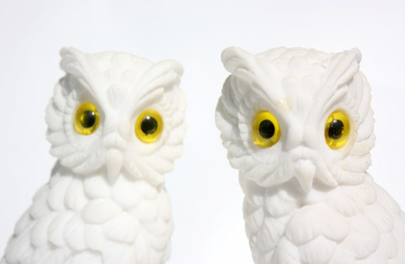 Vintage 1960/70s White Soapstone Owl Figurines or Bookends Set of 2