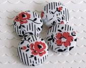 Lipstick Red Blooms- 4 Medium Buttons